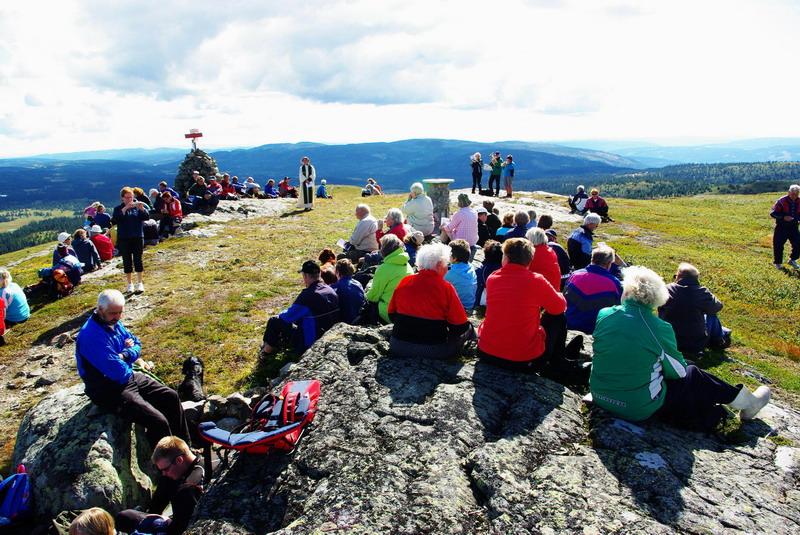 Ragnhild Floberg holdt gudstjeneste på Prestkjerring